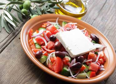 Horiatiki Greek salad: